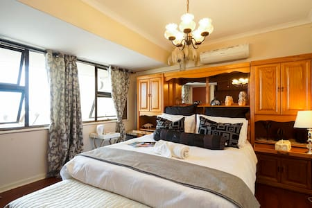 La-Peng guest house room Black&White - Tongaat Beach - Bed & Breakfast