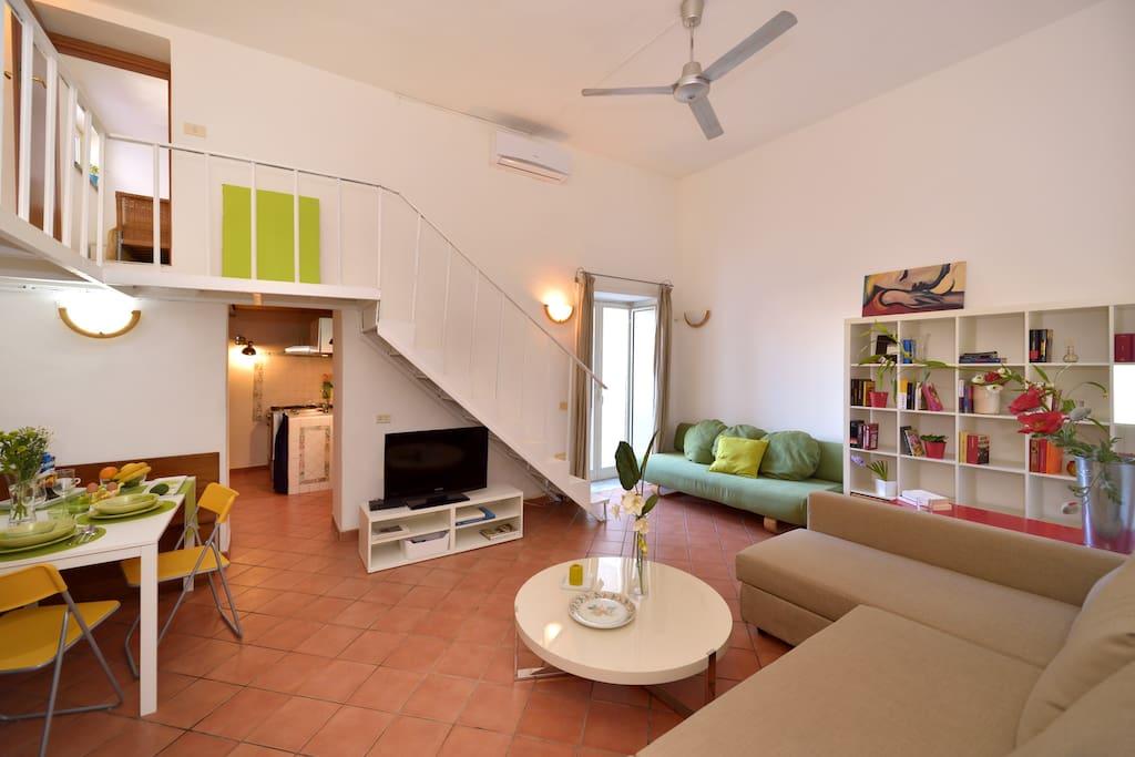 Il cuore di napoli appartamenti in affitto a napoli for Appartamenti in affitto arredati napoli