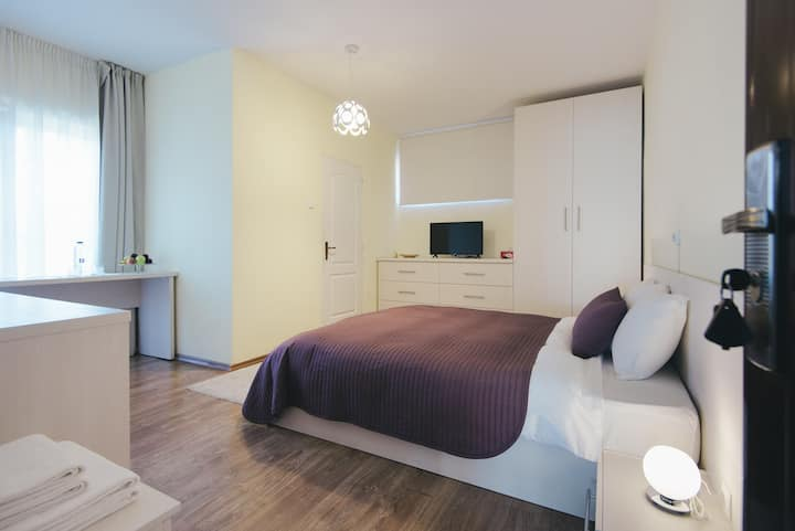 Camelia's cozy room #1