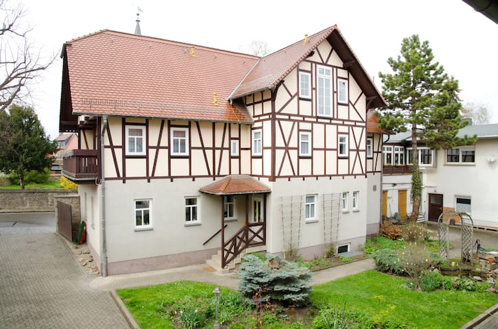 Apartment for 5 persons; Weimar - Kromsdorf - Apartment