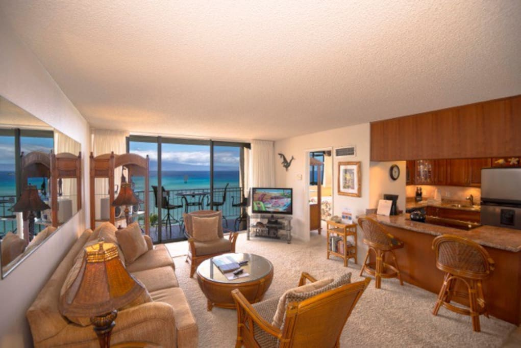 Penthouse, Remodeled and Oceanfront!