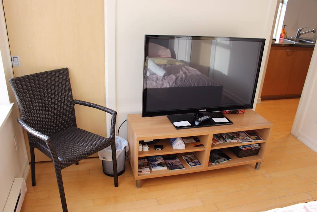 TV with no cable only HDMI cable