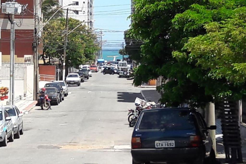 Vista da rua em direção a praia