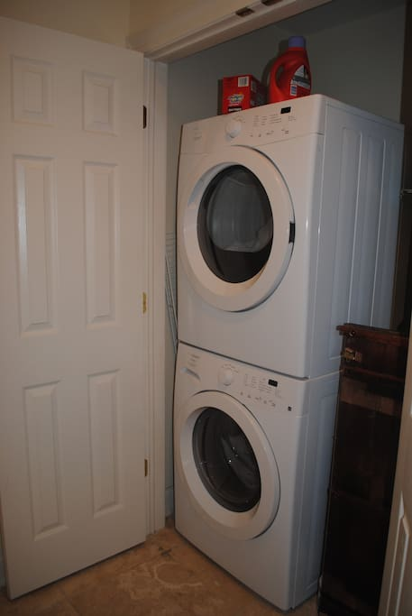 Full sized washer dryer