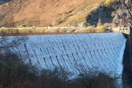 Warm Welcome in Beautiful Elan Valley