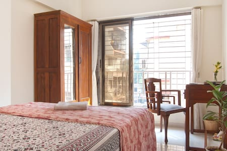Airy double ensuite, Malad West - Apartment