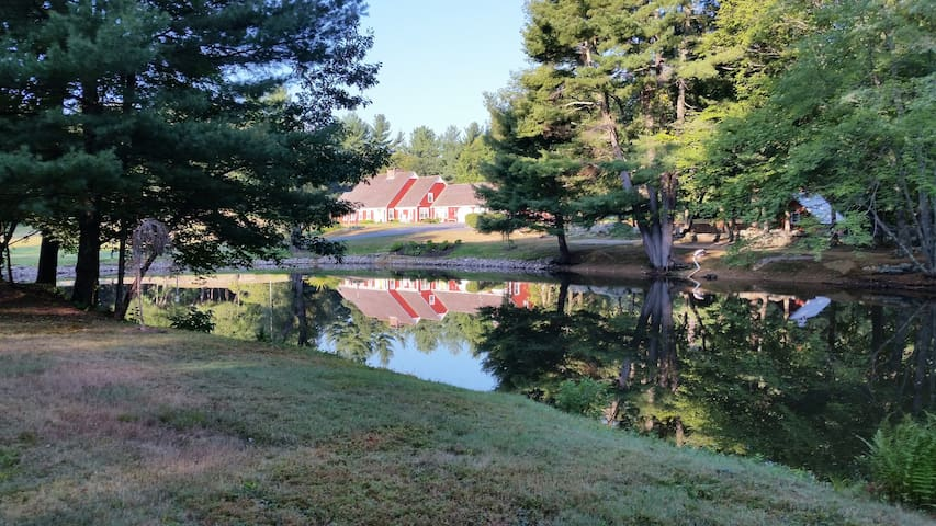 HeartofGold Farm ( Brimfield SturbridgeVillage Ma) - Woodstock  - House