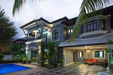 Baan Santhiya 3 Bedroom Villa (V3) - free tuk-tuk