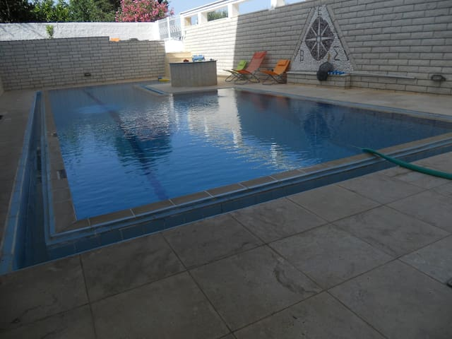 HOUSE NEAR THE SEA WITH POOL ,NEAR THE AIRPORT