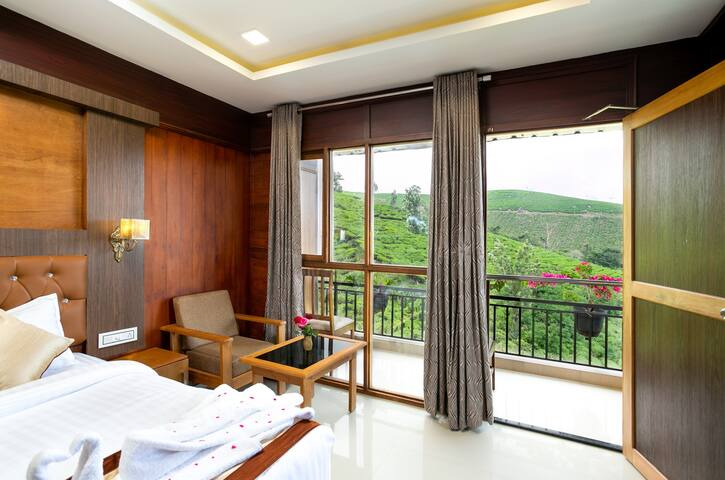 VALLEY VIEW ROOM @ MYST GRAND VALLEY, Munnar