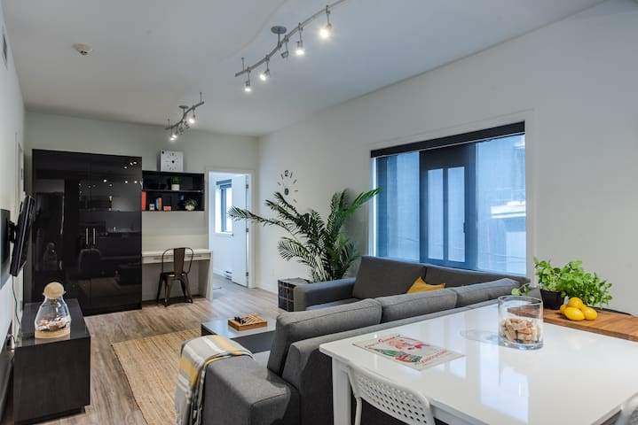 2-Bdr Room in Castle / Downtown