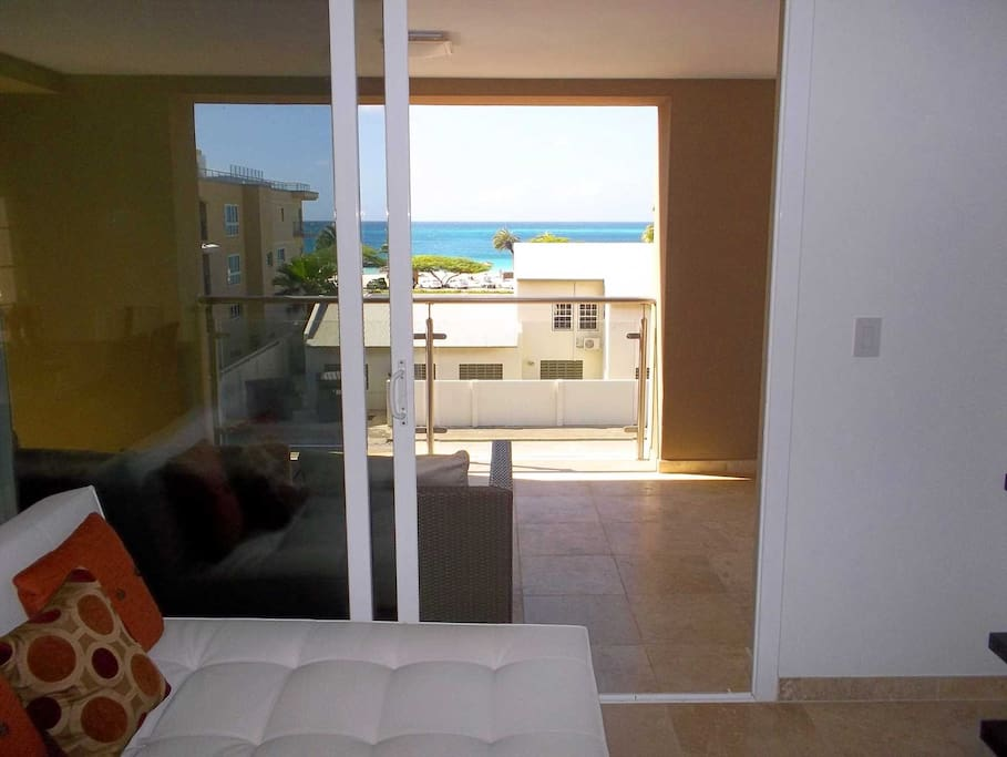 Your balcony with view to the ocean.