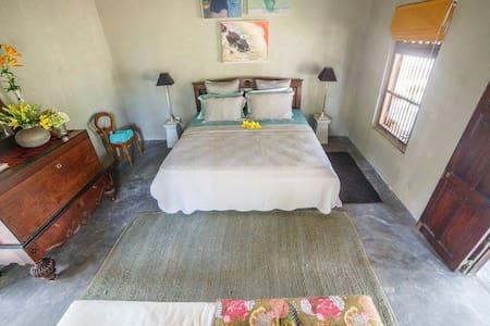 Tropical Villa B&B - 2 Bedrooms - Kalpitiya