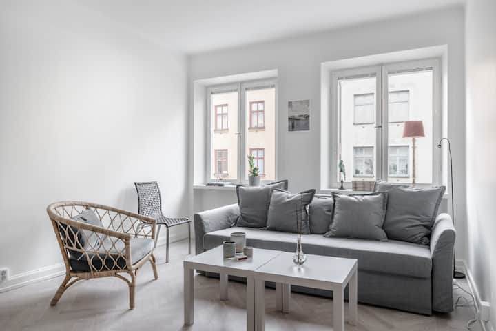 Airy & Scandinavian Apt in Popular Area Södermalm