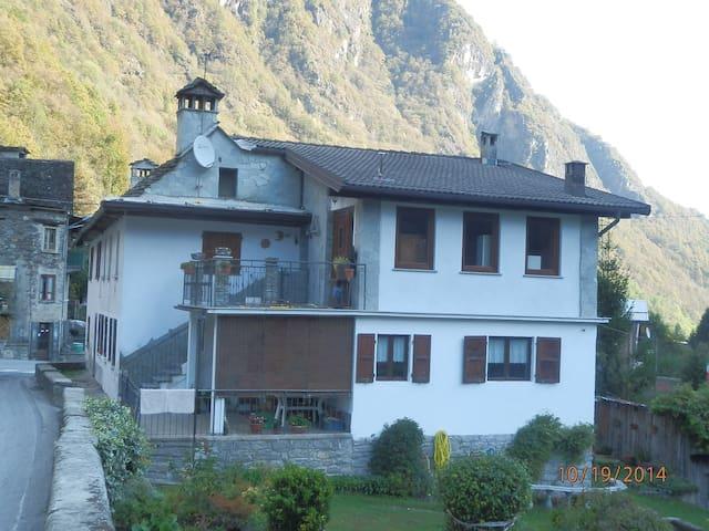 Vanzone con san carlo VB  (loc.SAN CARLO) - San Carlo - House