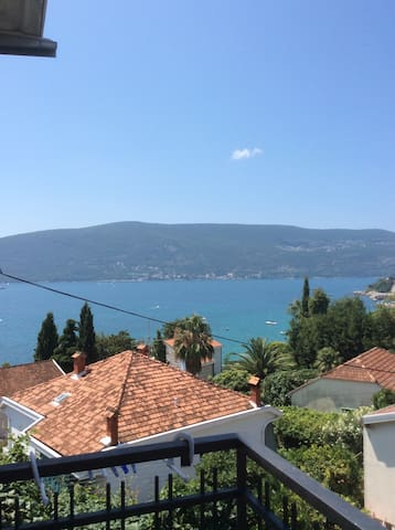 Cozy Loft near the Sea - Herceg Novi - Casa