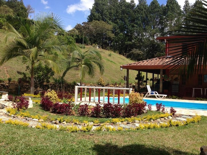 *Family Villa 1 hour away from Medellin* Guarne