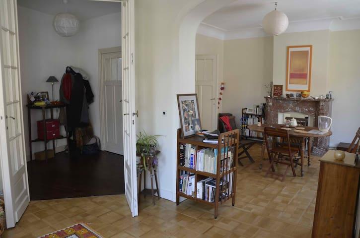Chambre/Bel appartement à Etterbeek