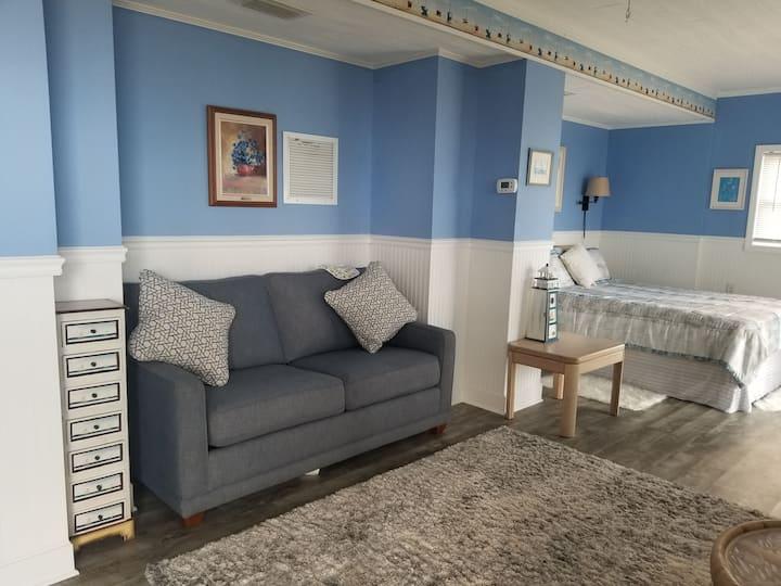 Beachfront super cute apartment