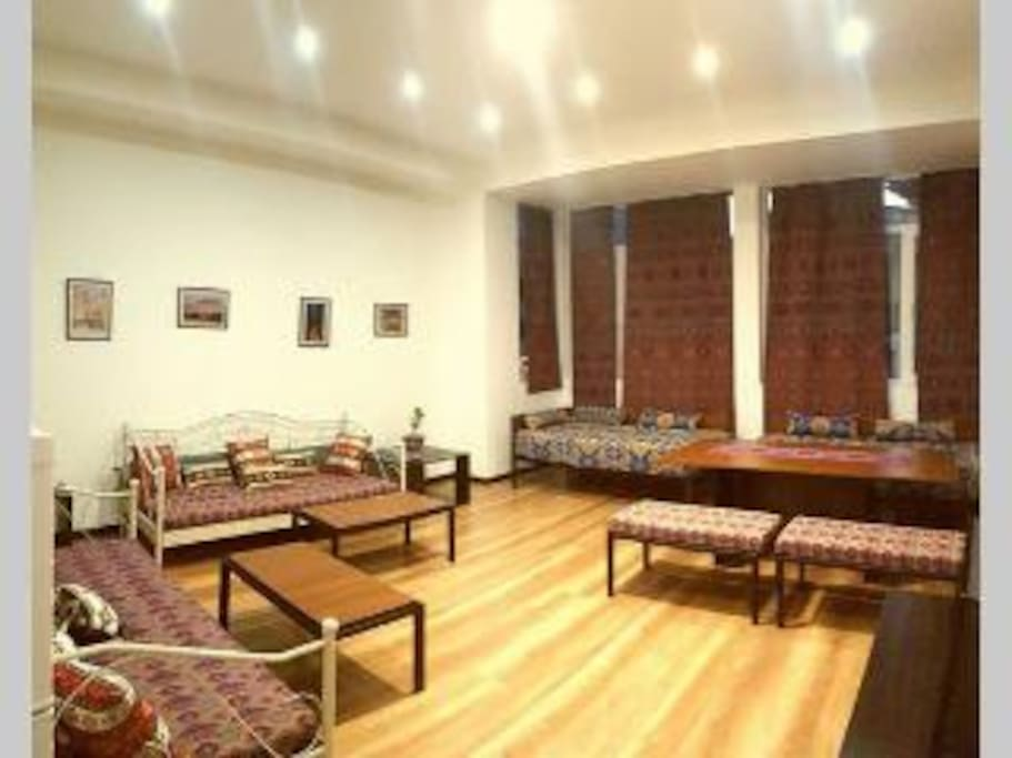 Living Room with 4 comfortable sofas