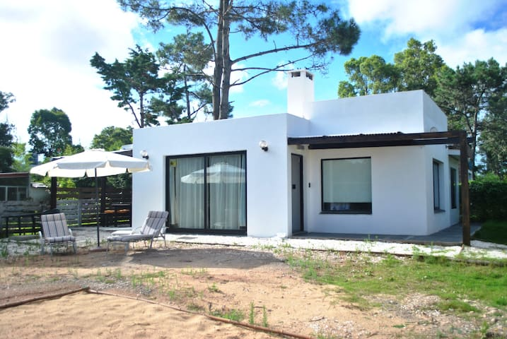 MILOPOTAS,CHARMING BEACH HOUSE - La Barra - House