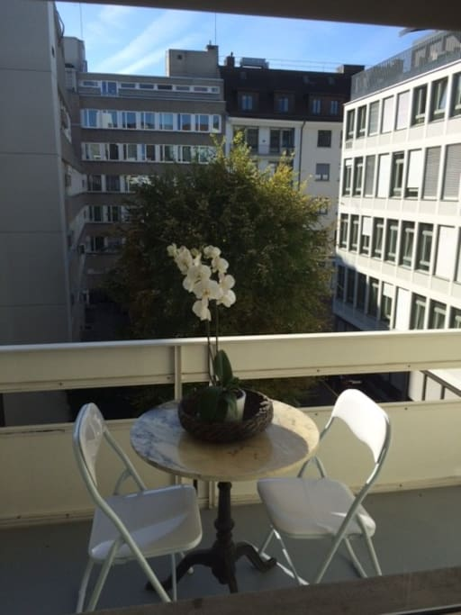 Own big balcony in quiet residential area !