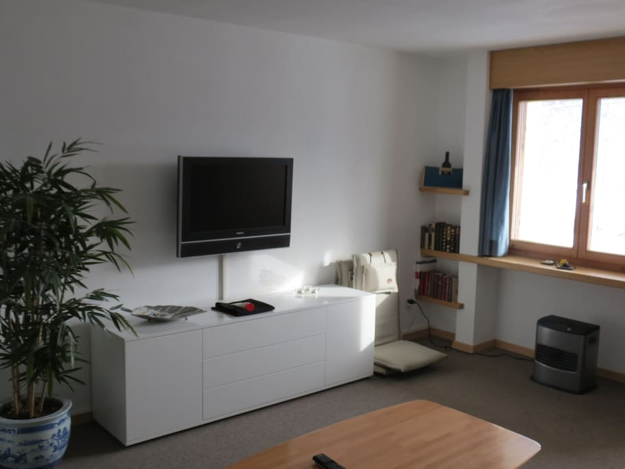 Living room with Sat TV