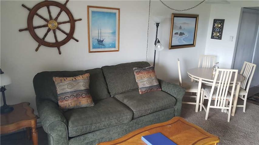 Unit G604-1st Floor-Gearhart House-No Cleaning Fees-