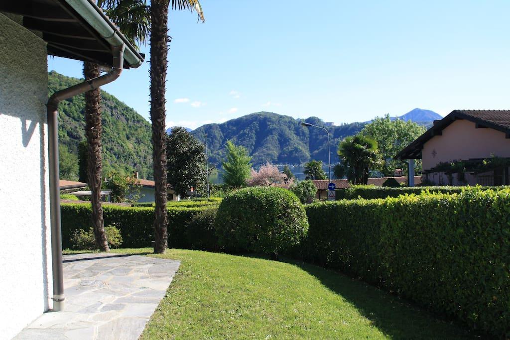 Garten mit Seeblick