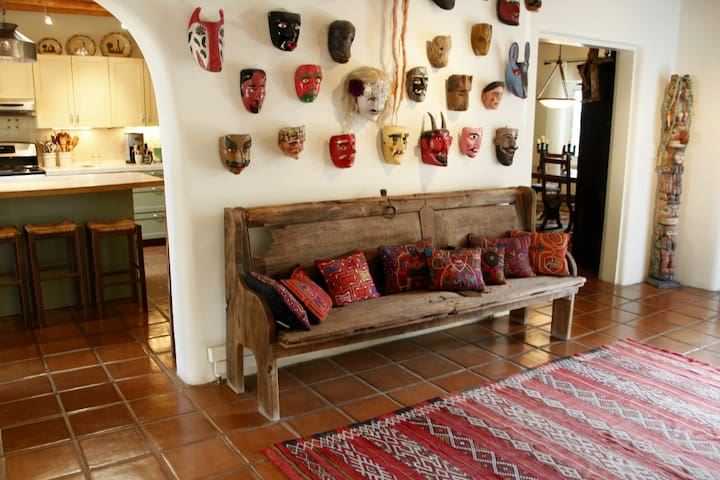 Large Gracious Guest Suite in FOLK ART HEAVEN!