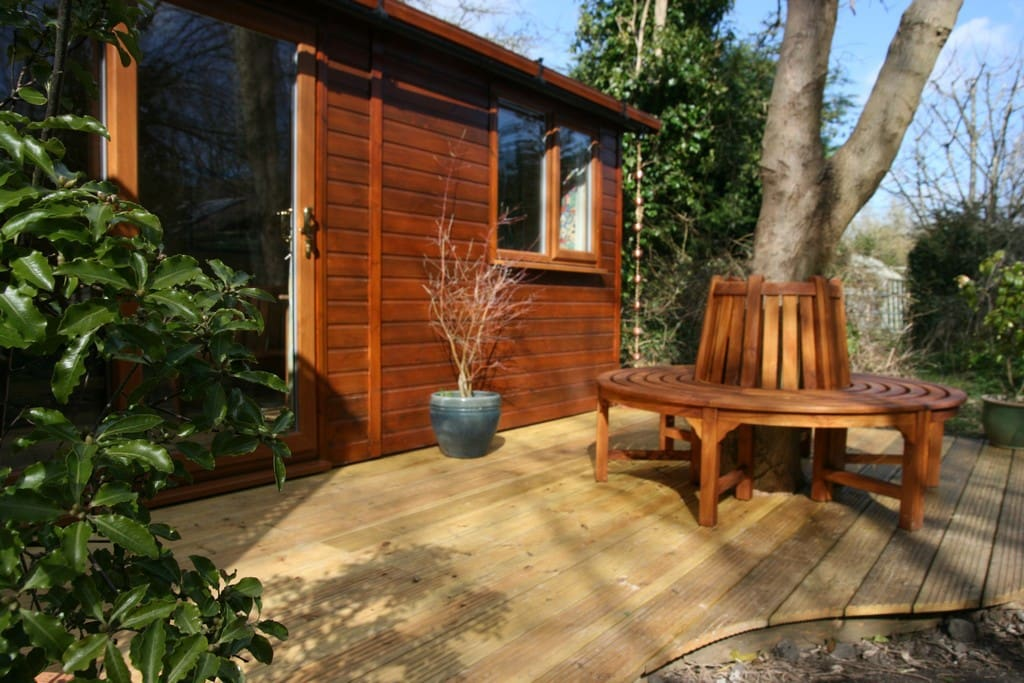Dogwood cabin cabins for rent in brede england united for Dogwood cabin