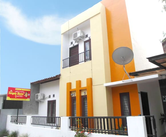 Simply Homy Guest House  Unit Monjali 3