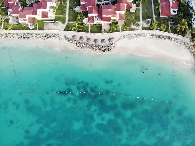 Beachside Apartment w/pool and Resort Amenities!