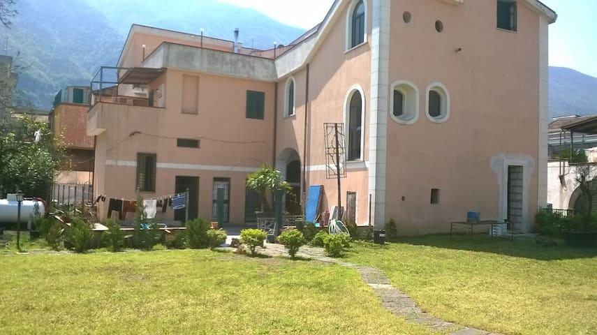 Tipico Casale con ampio giardino  - Nocera Superiore