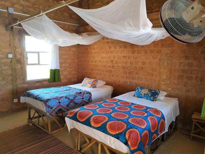 Habitación doble con baño en Mar Lodj (2)
