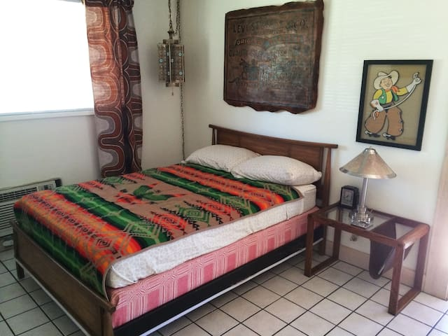 Cozy Hacienda in the Heart of Tempe - Tempe - 아파트