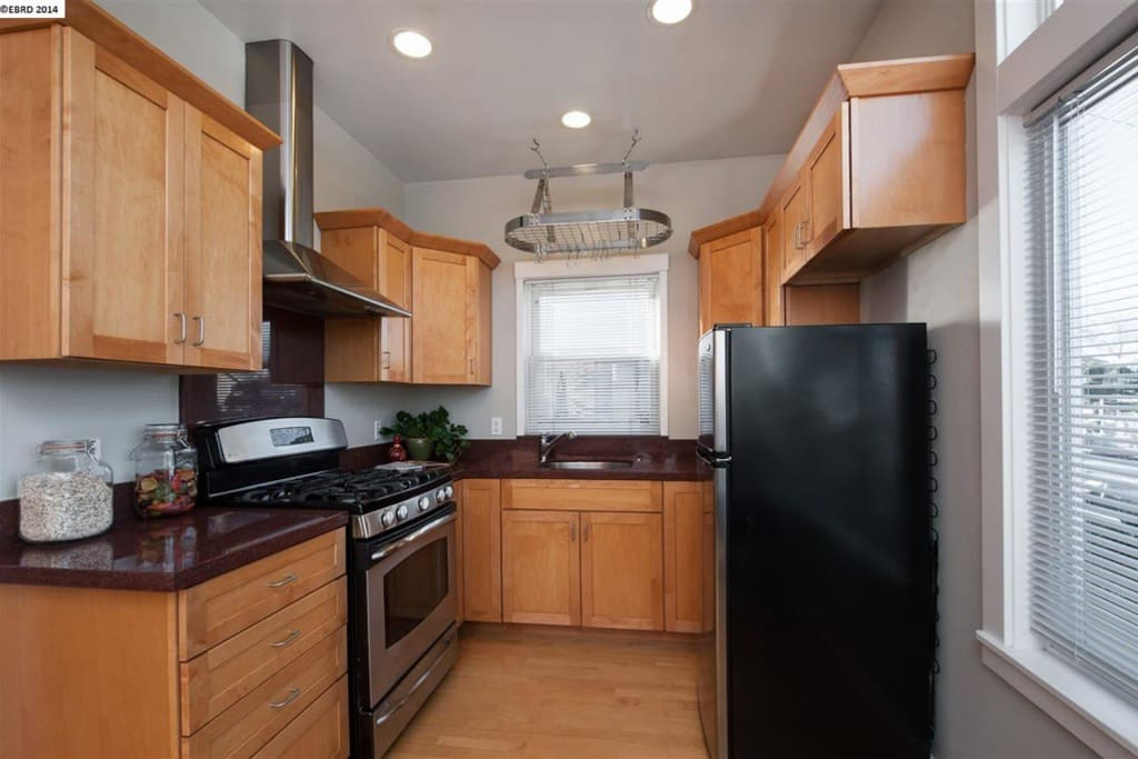 Sweet, light-filled, well-equipped kitchen