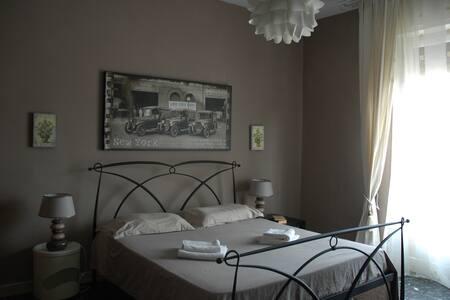 Florence Fleurs bel appartement - Firenze - Leilighet