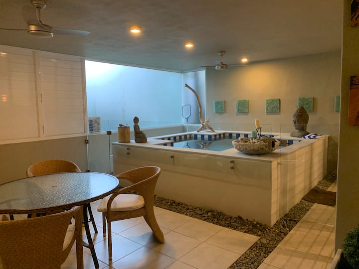 Beachside Apartment 4, Private Heated Plunge Pool