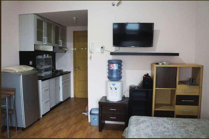 Homey apartment studio size at strategic place - West Jakarta - Appartement