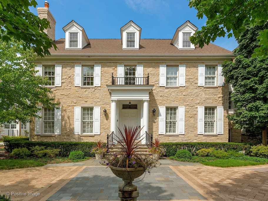 Beautiful Georgian In Upscale Chicago Suburb Houses For Rent In Hinsdale Illinois United States