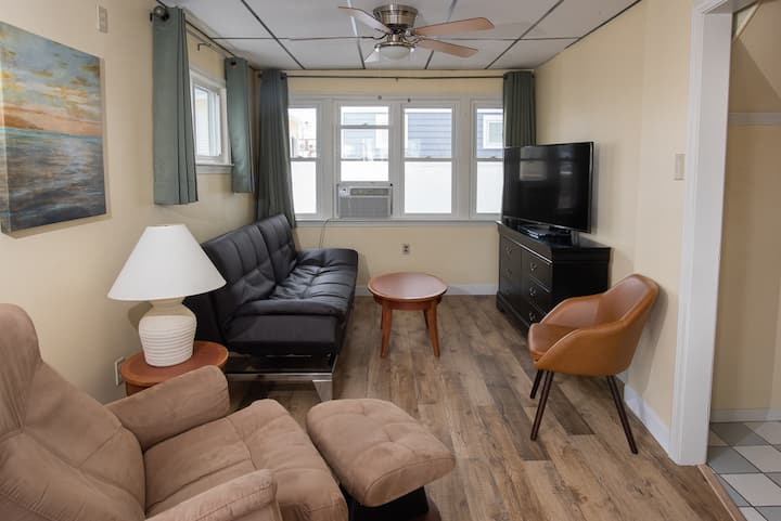 Abellona Inn & Suites - R8 Landside Suite