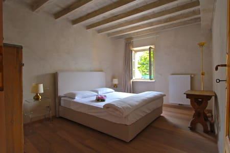 Precious, old Villa in Gargnano - Gargnano - Wohnung