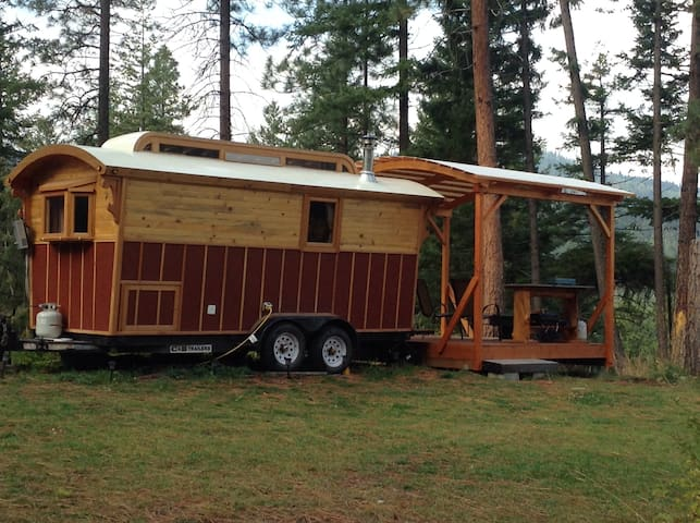 Red Gypsy Wagon - Leavenworth - Autocaravana