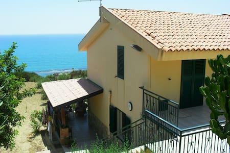 villa il carrubo a 100 mt dal mare - Licata