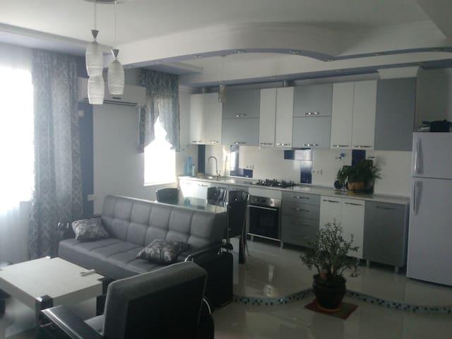 New flat near CityHall (+breakfast) - Batumi - Apartment