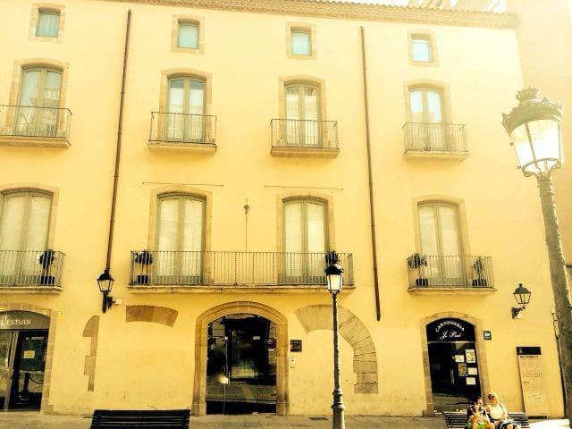 Apartamento en EDIFICIO  HISTÓRICO - Manresa - Apartemen