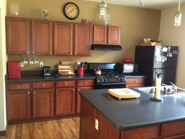 Cozy 2BD minutes from Beaver Creek - Avon - Apartment