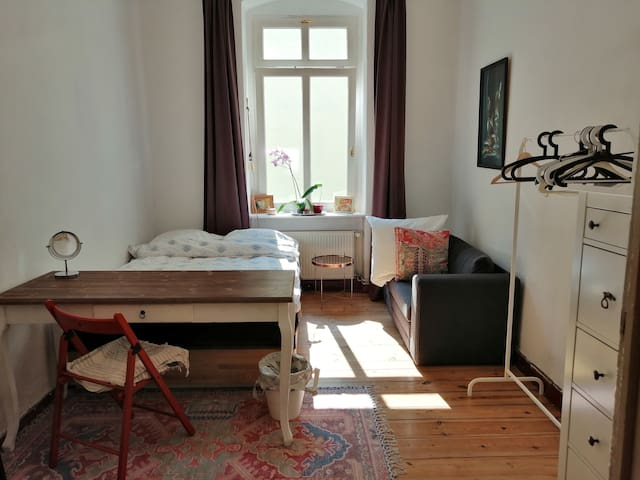 Gorgeous room in the heart of  Prenzlauer Berg