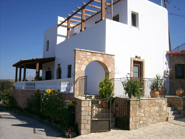 BEAUTIFUL MODERN VILLAGE APARTMENT - Rodos - Apartament